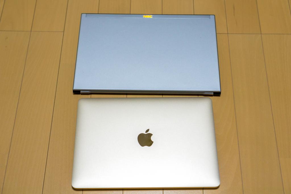ついに、、遂にMacBookを買いました!!