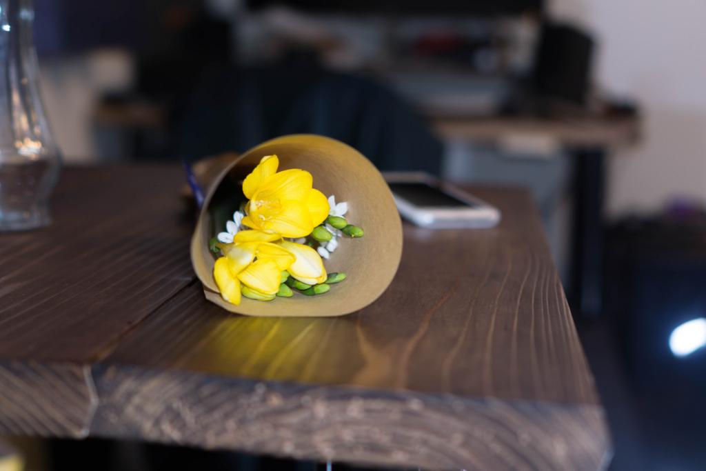 【今月の花  2月】「フリージア×アリウム」〜春の訪れの予感 自分で選んでカットするって楽しい