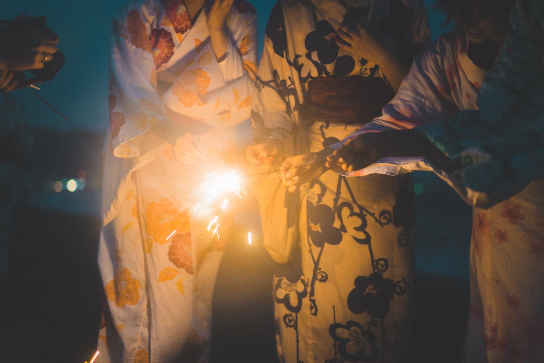 しゃしんのわ「夜の由比ヶ浜で花火」に参加してきた(sel55f18z作例)