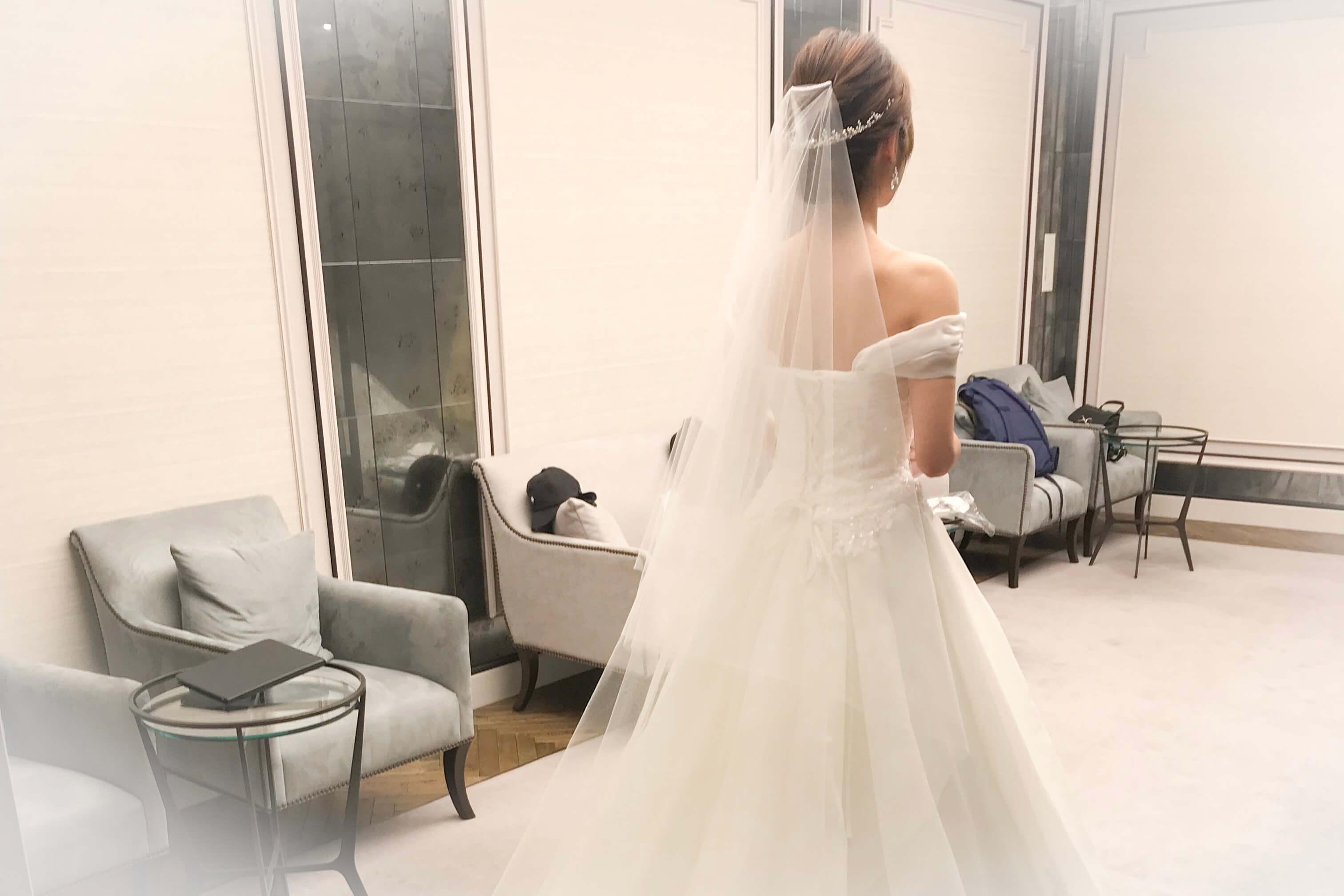 ウェディングドレスを着る時に必要な小物。ショップとネットどっちで買った方が良い?